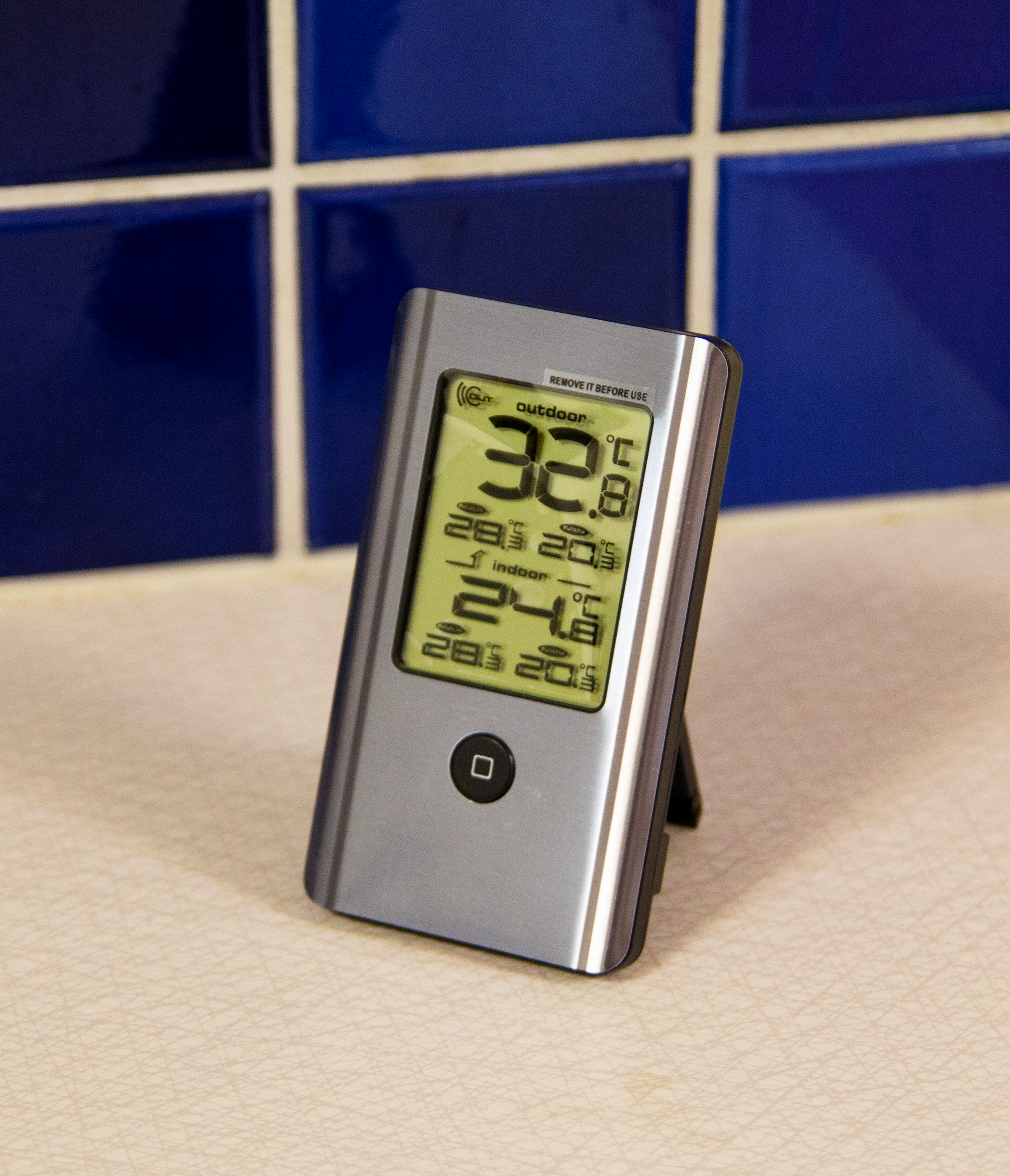 Läs mer om Wireless Indoor and Outdoor Thermometer